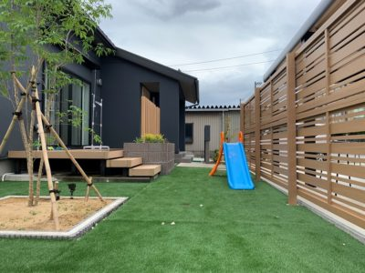 人工芝 遊ぶ 庭